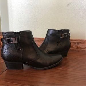 Unisa Shoes - Black booties
